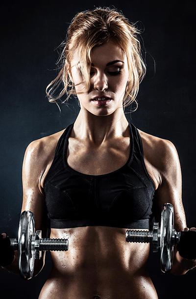 Muskelaufbau und Muskeldefinition mit Eiweiß